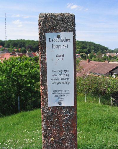 Geodatischer Festpunkt - Entwurfsvermessung - Struckmeyer GmbH